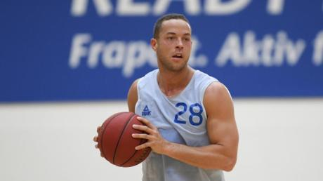 Kampf der Realitystars 2021- Andrej Mangold im Porträt: Wir stellen Ihnen den ehemaligen Profi-Basketballer hier näher vor.