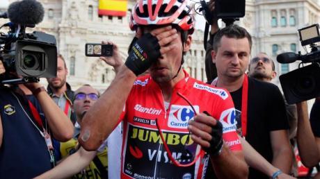 Primoz Roglic aus Slowenien vomTeam Jumbo-Visma gewinnt die Vuelta a Espana. Foto: Manu Fernandez/AP