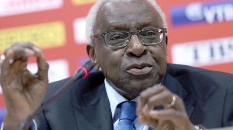 Steht seit vier Jahren in Paris unter Hausarrest: Der ehemalige IAAF-Präsident Lamine Diack. Foto (Archiv): Michael Kappeler Foto: Michael Kappeler