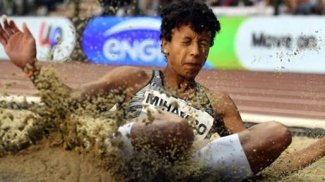 Weitspringerin Malaika Mihambo geht selbstbewusst und zuversichtlich in ihren Wettkampf bei der Leichtathletik-WM.