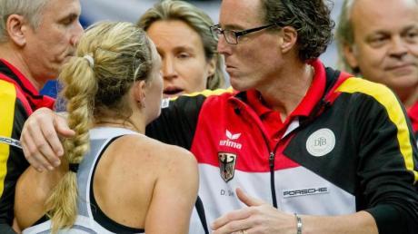 Fed-Cup-Assistenztrainer Dirk Dier (r) und Angelique Kerber 2014.