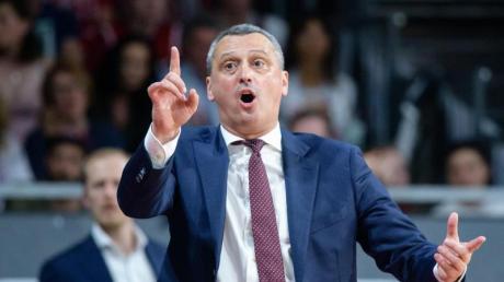 Ist mit Bayerns Basketballern im Pokal bereits draußen: Coach Dejan Radonjic. Foto: Matthias Balk/dpa