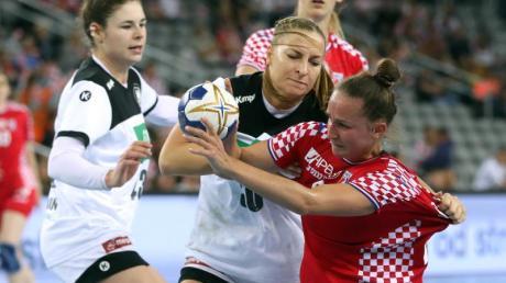 Deutschlands Handballerinnen kamen in Kroatien nicht über ein Remis hinaus. Foto: Damir SENČAR/HINA/dpa