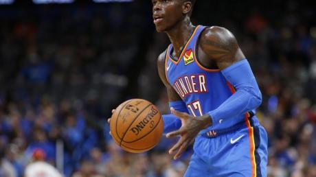 Basketball-Star Dennis Schröder konnte Oklahoma City Thunder nicht zum Sieg verhelfen.