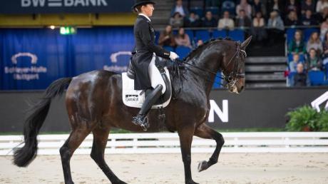 Dressurreiterin Lisa Müller auf ihrem Pferd Stand by me.