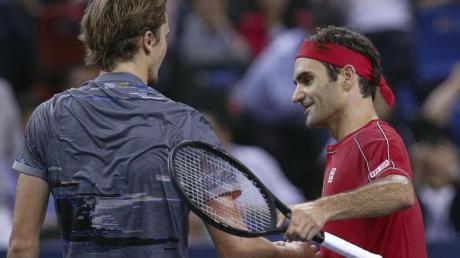 Zusammen auf Südamerika-Reise: Alexaner Zverev (l) und Roger Federer. Foto: Andy Wong/AP/dpa
