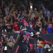 Texans-Quarterback Deshaun Watson (oben) feiert einen Touchdown. Foto: Eric Christian Smith/ AP/dpa