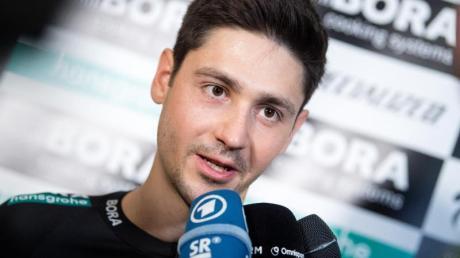 Will sich bei der Tour 2020 steigern: Emanuel Buchmann bei der Vorstellung des Radsportteams.