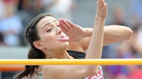 Die russische Hochsprung-Weltmeisterin Maria Lassizkene ärgert sich über die Funktionäre.