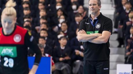 Bundestrainer Henk Groener könnte mit seinem Team auf Russland treffen.