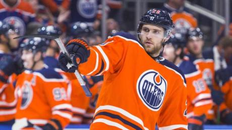 Leon Draisaitl lenkt das Spiel der Edmonton Oilers.