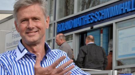 Weltklasseschwimmer Roland Matthes ist im baden-württembergischen Wertheim nach kurzer, schwerer Krankheit im Alter von 69 Jahren gestorben.