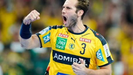 Uwe Gensheimer von den Rhein-Neckar Löwen jubelt über den Sieg gegen die SG Flensburg-Handewitt.