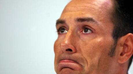 Tränen der Halbwahrheit: Erik Zabel bei seinm Dopinggeständnis 2007 in Bonn.