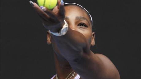 Hatte am Eröffnungstag der Australian Open keine Probleme mit der Luft: Serena Williams in Aktion.
