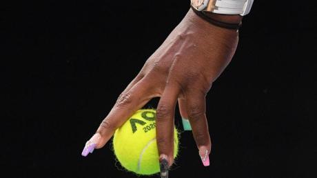 Fällt mit ihren extravaganten Fingernägeln auf: Auf dem Ringfinger (M) trägt Serena Williams einen Koala.