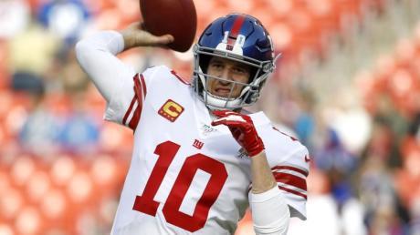 Eli Manning, Quarterback der New York Giants, trainiert im Dezember 2019 vor einem NFL-Spiel.