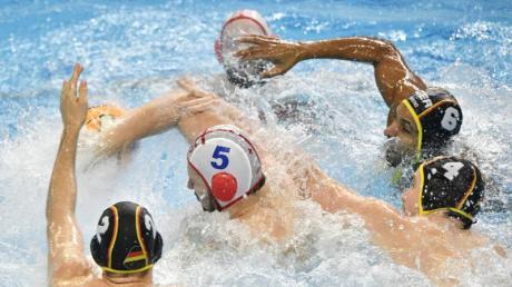 Die deutschen Wasserballer setzten sich gegen Georgien durch.