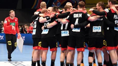 Die deutschen Handballer freuen sich schon auf die Olympia-Qualifikation in Berlin.