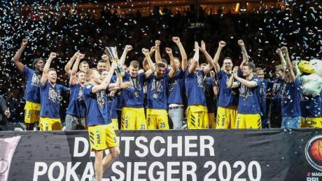 Alba Berlin ist Deutscher Pokalsieger 2020 - der zehnte Pokaltriumph für die Hauptstädter.