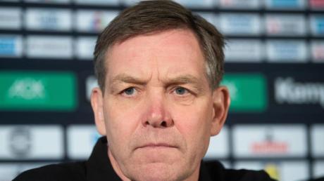 Handball-Bundestrainer Alfred Gislason muss auf sein Debüt warten.