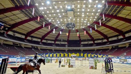 Auch das Reitturnier in der Dortmunder Westfalenhalle wurde nach einige Zögern wegen der Corona-Krise abgebrochen.