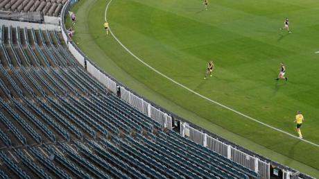 Das Auftaktspiel der Australian Football League (AFL) zwischen Richmond FC und Carlton FC wurde schon ohne Zuschauer ausgetragen.