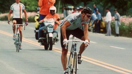 In der DDR ein umjubelter Radstar: Olaf Ludwig siegt beim Straßenrennen der Olympischen Sommerspiele in Seoul.