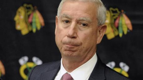 John McDonough, Präsident der Chicago Blackhawks, muss seinen Hut nehmen.