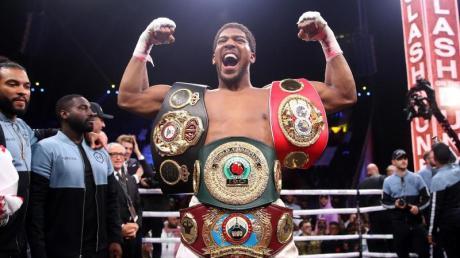 Weltmeister Anthony Joshua steigt wieder in den Boxring.