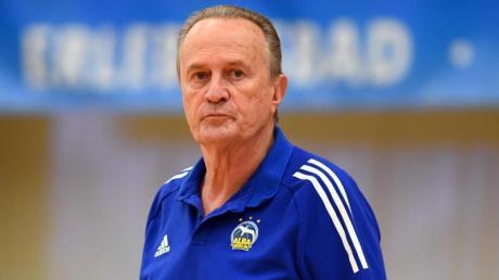 Hat Personal-Probleme:Alba-Coach Aito Garcia Reneses.