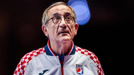 Der kroatische Trainer Lino Cervar erklärte seinen Rücktritt.