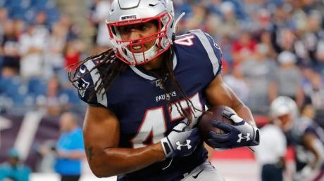 New England Patriots Jakob Johnson in Aktion.