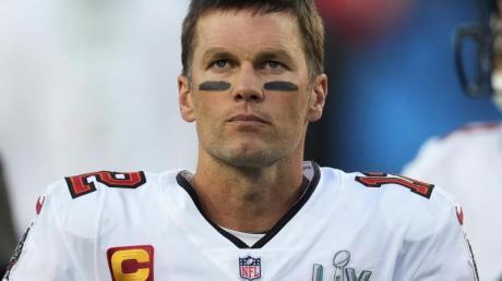 Lässt sich das Knie «saubermachen»: Quarterback Tom Brady von den Tampa Bay Buccaneers.