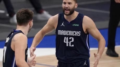 Die Partie der Dallas Mavericks mit Maxi Kleber bei den Houston Rockets wurde abgesagt.