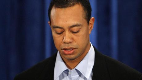 Im Februar 2010 entschuldigt sich Tiger Woods öffentlich für seine Affären mit anderen Frauen.