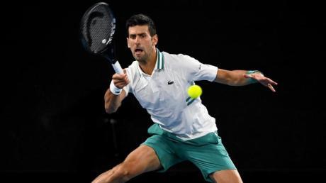 Novak Djokovic steigt nach seiner Bauchmuskelverletzung Ende dieses Monats in den USA wieder ins Turnier-Tennis ein.