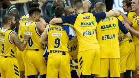 Double-Champion Alba Berlin darf zwei weitere Jahre in der Euroleague spielen.