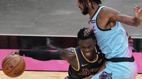 Konnte trotz einer starken Ausbeute die Lakers-Pleite gegen Miami nicht verhindern: Dennis Schröder (l).