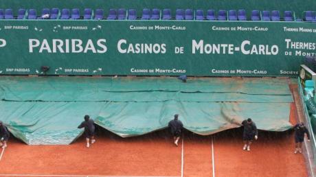 Regen beim Turnier in Monte Carlo.