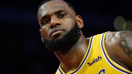 Superstar LeBron James und zahlreiche weitere Topsportler haben auf den Schuldspruch für den weißen Ex-Polizisten Chauvin reagiert.
