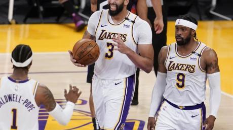 Überragte beim Lakers-Sieg gegen die Phoenix: Anthony Davis (M).