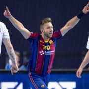 Aleix Gómez Abelló siegte 2020/21 mit dem FC Barcelona. Welches Team gewinnt die Saison 2021/22? Spielplan, Termine und Übertragung der Handball EHF Champions League.