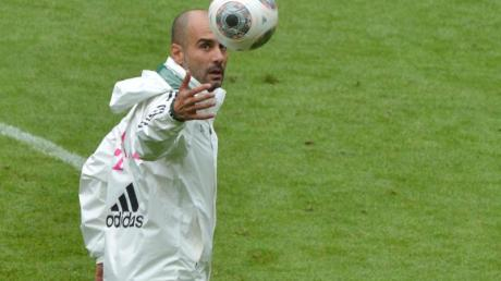 Bayern-Trainer Pep Guardiola wird seine Spieler am Gardasee fit machen.
