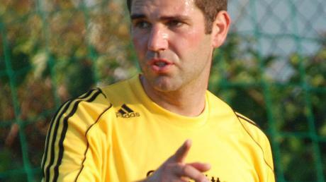 Möchte seinem FC Illdorf den Weg zum Klassenerhalt zeigen: Spielertrainer Patrick Herde.