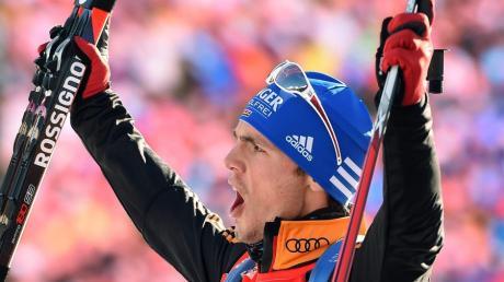 Simon Schempp hat den Biathlon-Sprint in Antholz gewonnen und sich somit eindrucksvoll im Weltcup zurückgemeldet.