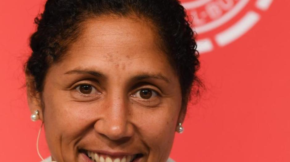 Frauenfußball: Steffi Jones auf den Spuren von Jürgen