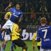 Dank Torschütze Naldo (M.) konnte der FC Schalke 04 das Revierderby beim BVB noch ausgleichen. Foto: Friso Gentsch