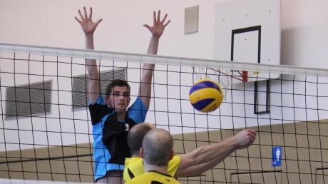 Copy%20of%2010.12.2016_Volleyball_TSV_Inchenhofen_(blau-schwarz)_-_SC_Vierkirchen_(gelb)5.tif