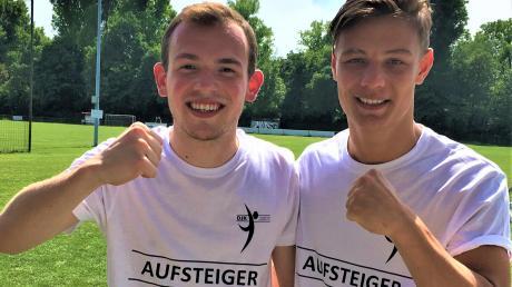 Schon 2009 standen Jakob Rotter (links) und Jakob Zincke zusammen auf dem Platz, jetzt haben sie mit der DJK den Aufstieg geschafft.